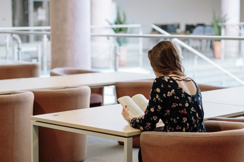 Comment faire un CV étudiant ? Exemple de CV job étudiant