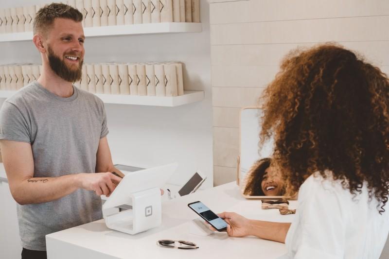 CV vendeuse / vendeur : exemple + compétences de CV vente