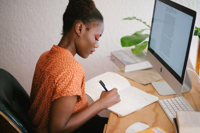 CV créatif : 15 exemples de CV design uniques à télécharger