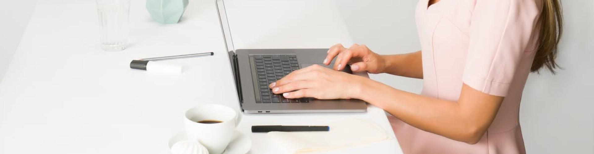16 Templates de CV design à remplir et télécharger en ligne